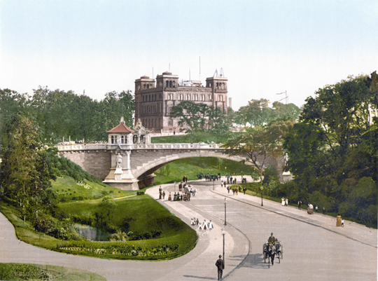 Blick auf Seewarte und Kerstin-Miles-Brücke aus Norden, um 1900 (Wikimedia commons)